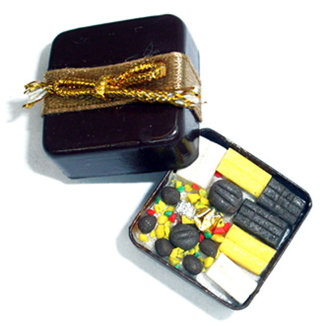 Miniature box of chocolates | sweets